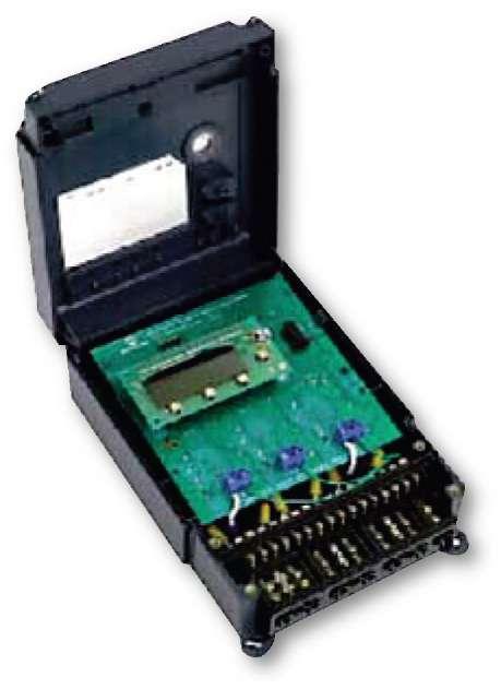 внешний вид трехфазного счетчика на основе микросхемы МСР3909 и контроллера PiC18F2520