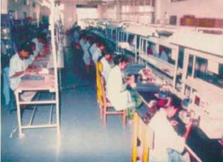 Процесс монтажа печатных плат на одном из индийских предприятий